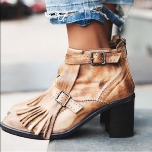 Free People Cirlce back booties size (37)
